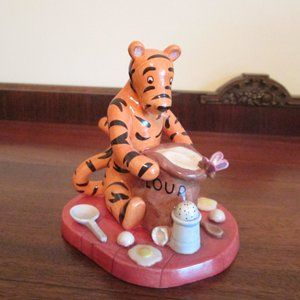 "Royal Doulton ""Tigger"" Figurine"